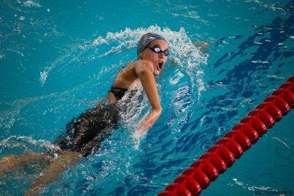 L'une de mes photos de sport la plus réussie, d'avis général. Auquel je me range également. J'aime la dynamique et la composition de l'image. Il s'agissait des championnats de France minimes de natation à Béthune.